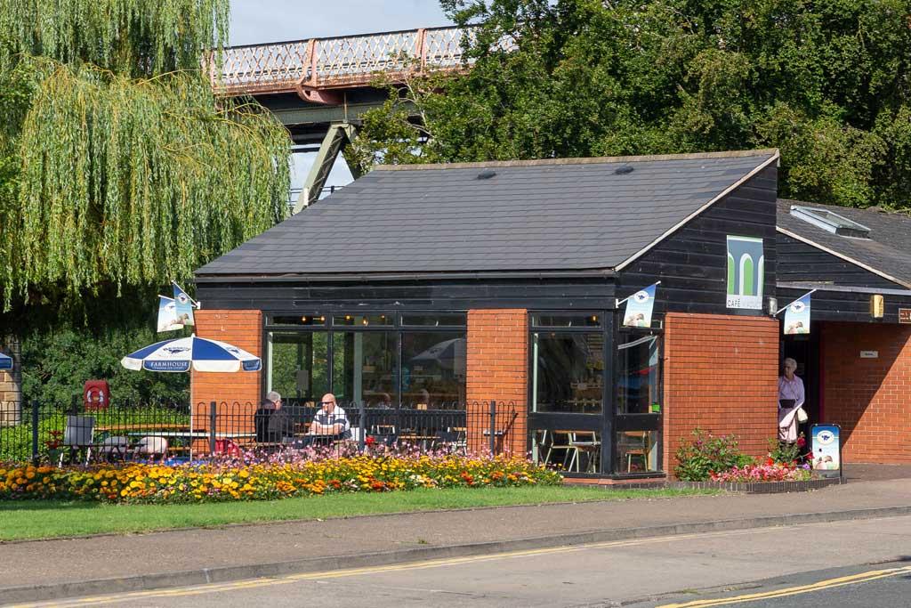 Cafe Viaduct