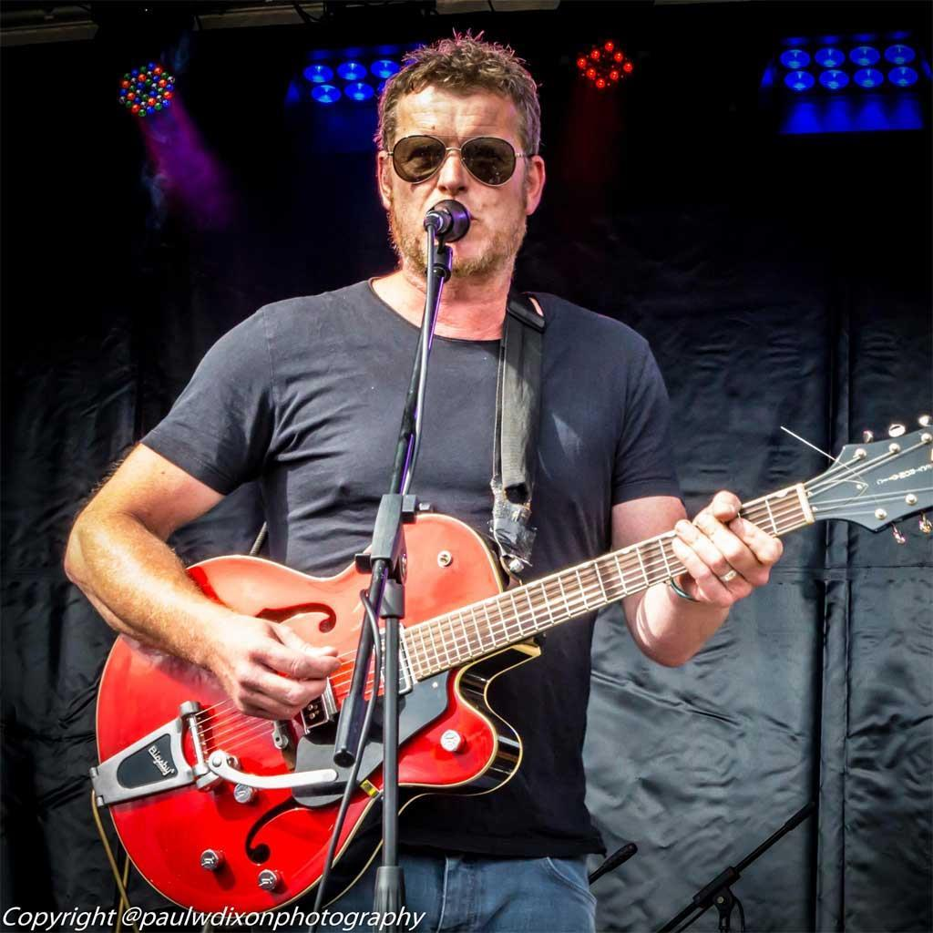 An introduction to songwriting with Nigel Clark from Dodgy