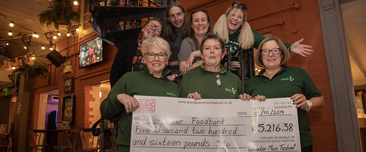 Cheque presentation to Worcester Foodbank